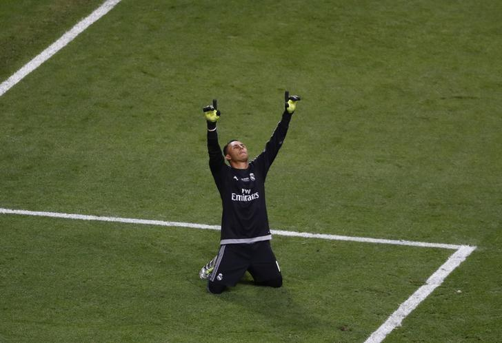 Real Madrid duo Navas and Danilo to have surgery