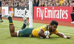 Australia's Henry Speight scores their fourth try Action Images via Reuters / Andrew Boyers