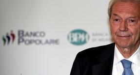 Pier Francesco Saviotti, l'administrateur délégué de Banco Popolare. Les actionnaires individuels de la banque se sont à ce stade portés acquéreurs d'environ un tiers des titres dans le cadre de l'augmentation de capital d'un milliard d'euros lancée par Banco Popolare dans le cadre de son projet de fusion avec Popolare di Milano. /Photo prise le 16 mai 2016REUTERS/Stefano Rellandini