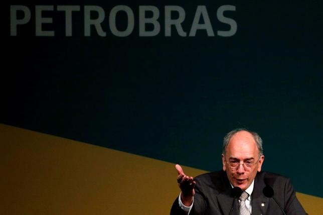 New chief executive of Brazil's state-run oil company Petroleo Brasileiro SA, Pedro Parente, gestures  during his inauguration ceremony in Rio de Janeiro, Brazil, June 2, 2016. REUTERS/Sergio Moraes