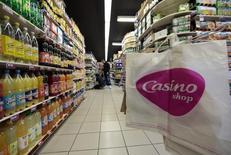 Casino, à suivre mardi à la Bourse de Paris. GPA, le premier distributeur brésilien diversifié, a déclaré lundi que son actionnaire de contrôle n'avait pas l'intention de le retirer de la cote ou de le réorganiser. / Photo d'archives/REUTERS/Eric Gaillard