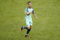 Cristiano Ronaldo comemora gol contra a Hungria.  22/6/16. EUTERS/Max Ross