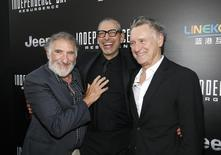 """Atores Hirsch, Goldblum e Pullman em lançamento do novo """"Independence Day"""". 20/6/2016.  REUTERS/Danny Moloshok"""