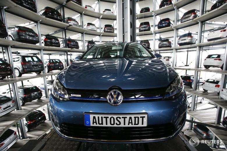 A Volkswagen Golf car is loaded in a delivery tower at the plant of German carmaker in Wolfsburg, Germany, April 28, 2016.    REUTERS/Fabrizio Bensch