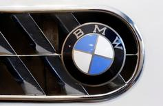 The logo of German manufacturer BMW is seen at a 1957 BMW 503 Coupe Serie 1 car during a preview of an auction by Swiss Oldtimer Galerie International in Zurich, Switzerland June 10, 2016.    REUTERS/Arnd Wiegmann