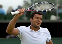 Britain Tennis - Wimbledon - All England Lawn Tennis & Croquet Club, Wimbledon, England - 1/7/16 France's Jo-Wilfried Tsonga celebrates winning his  match against Argentina's Juan Monaco REUTERS/Tony O'Brien