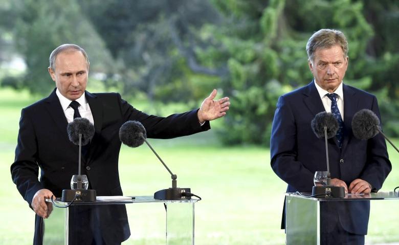 Russia's President Vladimir Putin gestures during his joint press conference with Finland's President Sauli Niinisto at Kultaranta summer residence in Naantali, Finland July 1, 2016. Lehtikuva/Jussi Nukari/via REUTERS