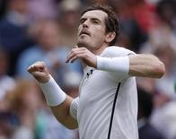 Andy Murray comemora vitória sobre Nick Kyrgios em Wimbledon. 04/07/2016 REUTERS/Andrew Couldridge