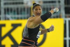 Valerie Adams of New Zealand competes in the women's shot put during the IAAF World Indoor Athletics Championships in Portland, Oregon March 19, 2016.  REUTERS/Mike Blake