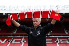 José Mourinho durante apresentação oficial em Old Trafford, estádio do Manchester United.   05/07/2016       REUTERS/Andrew Yates