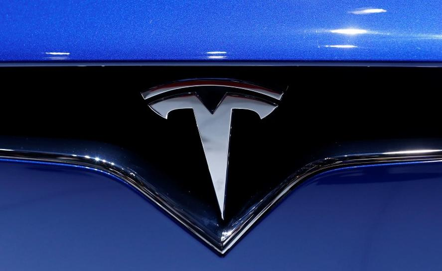 Business Day|US Safety Agency Investigates Another Tesla Crash Involving Autopilot