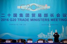 """Face au retour """"inquiétant"""" du protectionnisme, les ministres du Commerce des Etats membres du G20 réunis à Shanghai se sont entendus pour réduire les droits de douane, accroître la coopération et améliorer les finances. /Photo prise le 9 juillet 2016/REUTERS/Aly Song"""