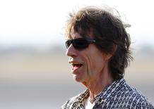 Imagen de archivo de Mick Jagger del grupo The Rolling Stones a su llegada a la Habana, mar 24, 2016. El cantante de la banda Rolling Stones Mick Jagger, de 72 años, se convertirá en padre por octava vez, confirmó un portavoz el viernes.  REUTERS/Ivan Alvarado
