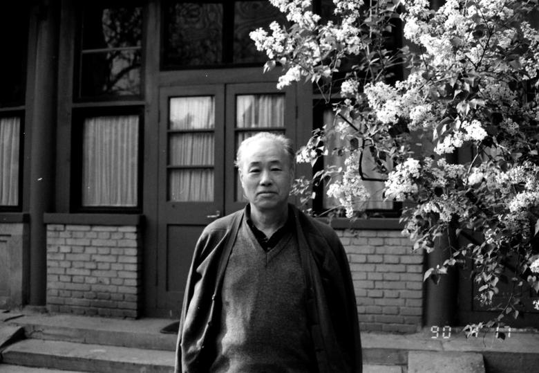 Former reformist Communist Party general secretary Zhao Ziyang poses for photo in the garden of his home in central Beijing April 17, 1990. REUTERS/New Century Media and Consulting Co., Ltd. (CHINA POLITICS)