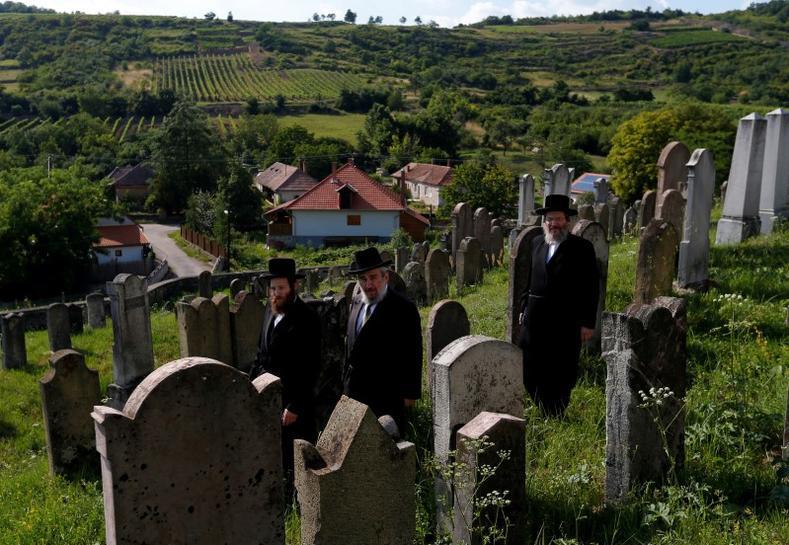 Hungary's Tokaj wine region revives Jewish heritage | Reuters