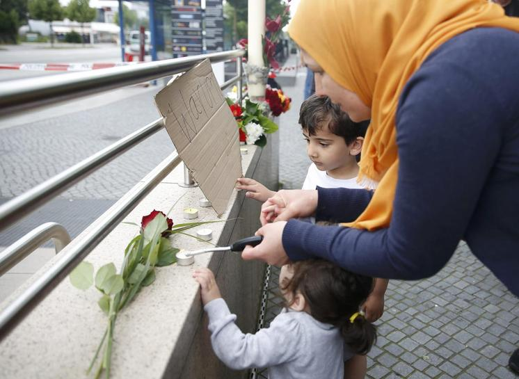 Munich gunman raised locally, no ties to Islamic State
