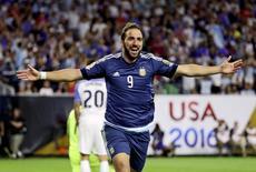 Higuaín comemora gol marcado pela Argentina contra os Estados Unidos em partida pela Copa América Centenário, em Houston 21/06/2016 REUTERS/Kevin Jairaj-USA TODAY Sports