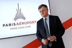Augustin de Romanet, PDG de Groupe ADP. L'exploitant d'Orly et Roissy reconnaît un risque de conflit d'intérêt lié à la présence de Vinci à la fois à son capital et à celui de l'aéroport de Lyon. Vinci, qui détient 8% de Groupe ADP, fait partie du consortium qui a obtenu une participation de 60% dans l'aéroport de Lyon, destiné à devenir un hub alternatif à Paris. /Photo d'archives/REUTERS/Benoît Tessier
