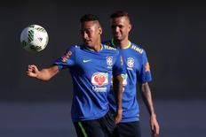 Neymar treina em Goiânia para amistoso contra Japão.  28/07/2016.     REUTERS/Ueslei Marcelino