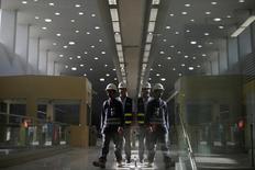 Funcionários vistos em estação de metrô da linha 4 no Rio de Janeiro.  30/06/2016     REUTERS/Ricardo Moraes