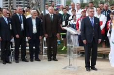 Presidente do Comitê Olímpico Internacional (COI), Thomas Bach, e dignatários participam de cerimônia de inauguração do local de luto, no Rio de Janeiro 03/08/2016 REUTERS/Edgard Garrido
