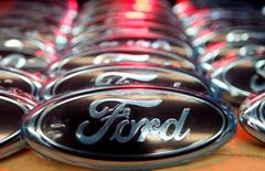 Ford logos are seen at the assembly line of the Ford car factory of Saarlouis, December 6, 2010.  REUTERS/Vincent Kessler/File Photo - RTSK3FG