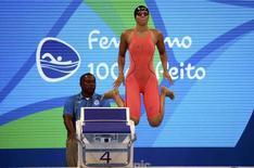 Nadadora russa Yulia Efimova antes de sua bateria na prova dos 100 metros nado peito, nos Jogos Rio 2016 07/08/2016 REUTERS/David Gray