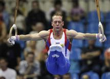 Ginasta holandês Yuri van Gelder durante competição em Moscou.     30/05/2009  REUTERS/Grigory Dukor/Files