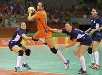 Argentina x Holanda no handebol feminino da Rio 2016. 08/08/2016 REUTERS/Antonio Bronic