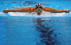 Michael Phelps competes in the 200m butterfly. REUTERS/David Gray