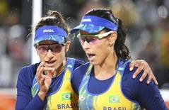 Ágatha e Bárbara em jogo da Rio 2016. 10/08/2016.    REUTERS/Ruben Sprich