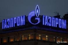 Логотип Газпрома на здании в Санкт-Петербурге 14 ноября 2013 года Газовый концерн Газпром и его партнеры в проекте Северный поток-2 подали совместный ответ на возражения польского антимонопольного органа по контролю за слияниями, касающийся  создания совместного предприятия, говорится в сообщении Газпрома. REUTERS/Alexander Demianchuk