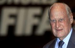 Joao Havelange, the President of FIFA, the world governing body of soccer, speaks at the organisation's 51st congress in Paris June 7, 1998.  REUTERS/Ian Waldie/File photo - RTX2L6K6