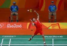Lin Dan of China plays against Srikanth Kidambi of India.        REUTERS/Marcelo del Pozo
