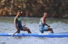 Isaquias e Erlon de Souza em prova da canoagem.  19/08/2016.  REUTERS/Murad Sezer