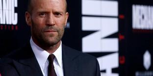 """Ator Jason Statham posa para fotos na estreia do filme """"Assassinos a Preço Fixo 2"""" em Los Angeles 23/08/2016 REUTERS/Mario Anzuoni"""