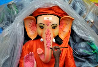 Bringing Ganesh home