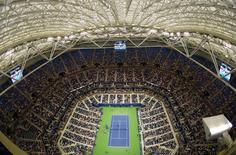 Sep 1, 2016; New York, NY, USA; A general view of the closed roof above Arthur Ashe Stadium as rain falls outside during the match between Andy Murray of Great Britain and Marcel Granollers of Spain on day four of the 2016 U.S. Open tennis tournament at USTA Billie Jean King National Tennis Center. Mandatory Credit: Robert Deutsch-USA TODAY Sports