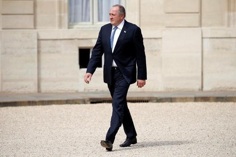 Georgia's President Georgy Margvelashvili arrives at the Elysee Palace in Paris, France, April 21, 2016. REUTERS/Charles Platiau