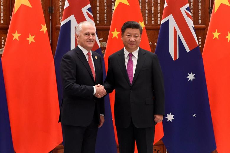 Chinese President Xi Jinping shakes hands with Australia's Prime Minister Malcolm Turnbull ahead of G20 Summit in Hangzhou, Zhejiang province, China, September 4, 2016. REUTERS/Wang Zhao/Pool