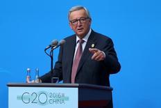 La decisión de la Unión Europea que obliga a Apple a pagar un enorme cargo impositivo a Irlanda se basó claramente en hechos y reglamentos existentes y no fue una decisión contra Estados Unidos, dijo el domingo el presidente de la Comisión Europea, Jean-Claude Juncker. En la imagen, el presidente de la Comisión Europea, Jean-Claude Juncker, durante una rueda de prensa antes de la reunión del G20 en Hangzhou, China, el 4 de septiembre de 2016. China Daily/via REUTERS