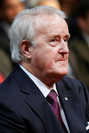 Former Canadian Prime Minister Brian Mulroney takes part in a ceremony at the Supreme Court of Canada in Ottawa February 10, 2015.     REUTERS/Blair Gable