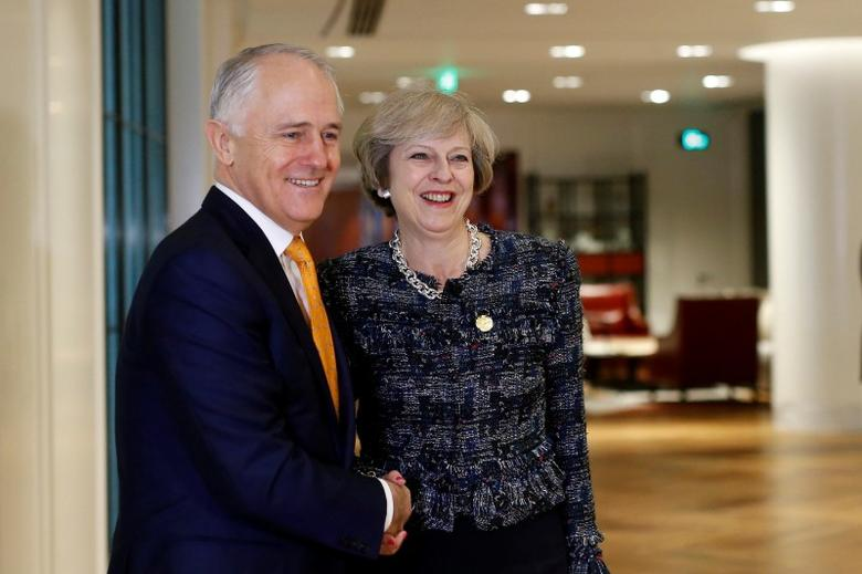 British Prime Minister Theresa May (R) meets Australian Prime Minister Malcolm Turnbull during a bilateral meeting at the sidelines of G20 Summit in Hangzhou, Zhejiang Province, China, September 5, 2016. REUTERS/Aly Song