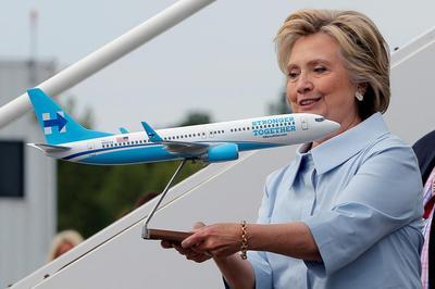 All aboard Clinton plane