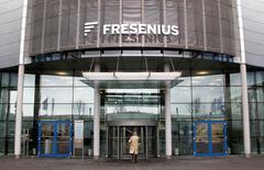Le groupe de santé allemand Fresenius a annoncé lundi l'achat pour 5,76 milliards d'euros de Quironsalud, première chaîne espagnole de cliniques privées, confortant ainsi sa position de leader européen des établissements de soins privés. /Photo d'archives/REUTERS/Johannes Eiseler