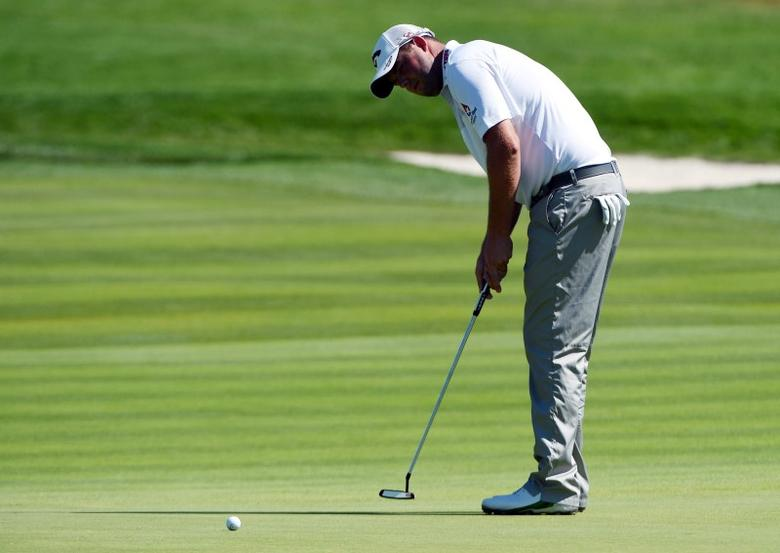Marc Leishman putts on the 8th green during the continuation of the second round of the U.S. Open golf tournament at Oakmont Country Club. Mandatory Credit: Kyle Terada-USA TODAY Sports