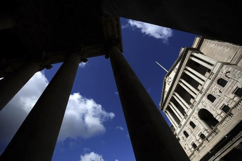 The Bank of England is seen through the columns on the Royal Exchange building in London, Britain August 4, 2016. REUTERS/Neil Hall