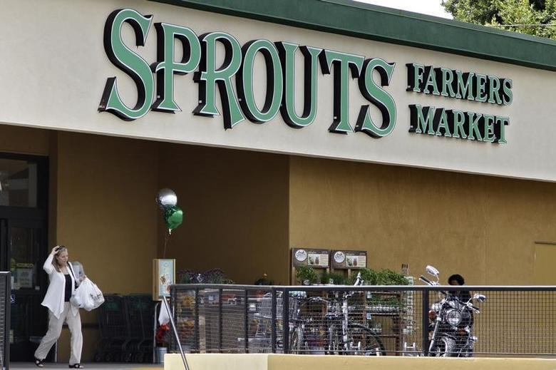 A shopper exits a Sprouts Farmers Market in Los Angeles, California August 1, 2013. REUTERS/Jonathan Alcorn
