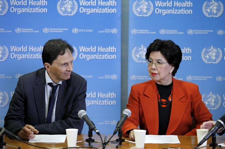Professor David L. Heymann (L), Chair of the Emergency Committee, and World Health Organization (WHO) Director-General Margaret Chan hold a news conference after the first meeting of the International Health Regulations (IHR) Emergency Committee concerning the Zika virus and observed increase in neurological disorders and neonatal malformations in Geneva, Switzerland, February 1, 2016. REUTERS/Pierre Albouy/Files