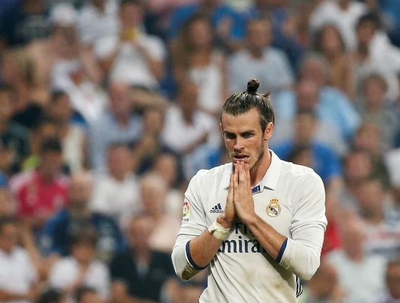 Football Soccer - Spanish Liga Santander - Real Madrid v Celta Vigo- Santiago Bernabeu, Madrid, Spain 27/08/16.  Real Madrid's Gareth Bale reacts. REUTERS/Andrea Comas